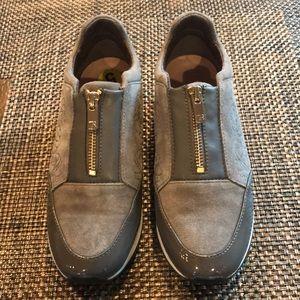 Taryn Rose Sneakers